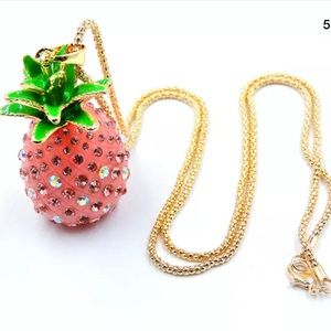 NWT Betsey Johnson Crystal Pineapple Necklace🌟